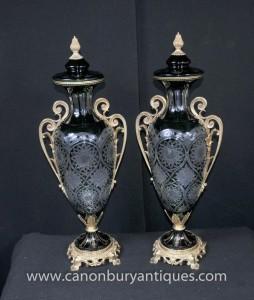 Paire Cut Glass Urnes Louis XV Ormolu Amphora Urne