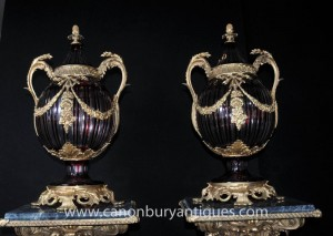 Paire Empire français Cut Glass Bulbous Urnes Vases