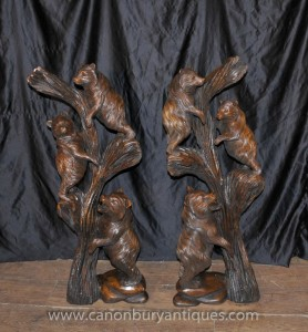 Paire Forêt Noire main ours sculpté Statues Arbre Cub Afficher