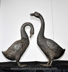 Paire Lifesize Bronze Oies Oiseaux Goose Statue