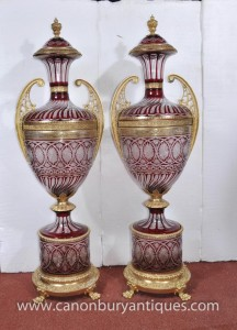 Paire XL Empire français Cut Glass Amphora Urnes Vases architecturaux