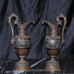 Paire française antique Bronze Amphora Urne cruches Chérubin Urnes 1890