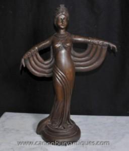 Sculpté à la main Art déco français Statue Figurine