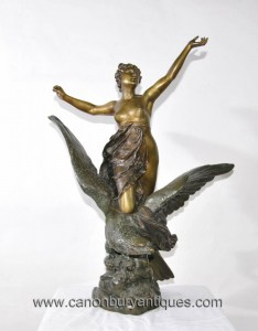 Antiqe italienne Bronze Hebe Aigle Femme Figurine 1890 Signé