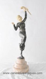 Art Déco Étain Blanc Metal Female Dancer Figurine Parrot Fille