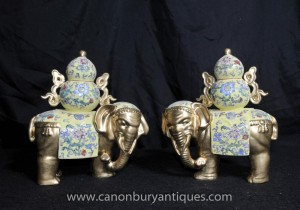 Chinoise Famille Rose Porcelaine Elephant Statue Chine Céramique