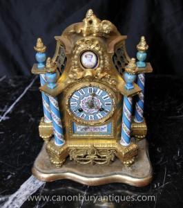 Horloges Français Ormolu Antique Pendule porcelaine de Sèvres