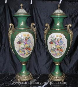 Paire Big Sèvres Floral Porcelaine Amphora Vases Urnes