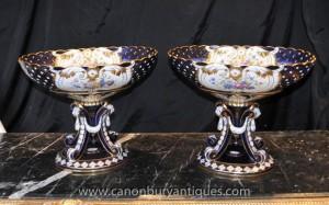 Paire de porcelaine de Sèvres urnes sur les stands Planteur soupières Lattice