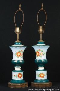 Paire française Floral Porcelain Table Lampes