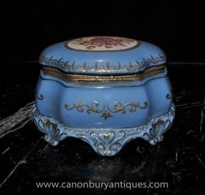 Porcelaine de Sèvres Coffret à bijoux Bijou cas motifs floraux