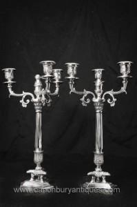 Paire victorienne Plaque Argent Chandeliers Bougies de colonnes corinthiennes