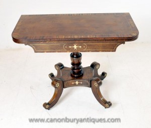 Antique Regency Jeux Table Noyer Side Tables incrustation de laiton