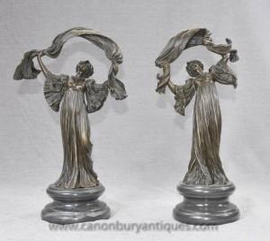 Paire Art Nouveau français figurines de bronze par Loïe Fuller