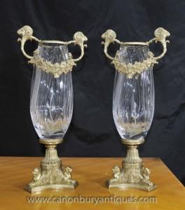 Paire Empire couper le verre Vases Urnes Ormolu matchs