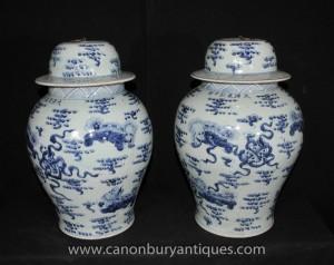 Paire Jingdezhen bleu et blanc porcelaine chinoise Ginger Jars Urnes Vases