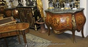 Paire Louis XV Inlay Commodes Bombe Commodes
