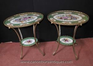 Paire porcelaine de Sèvres Ormolu Side tables de cocktail floral Tops