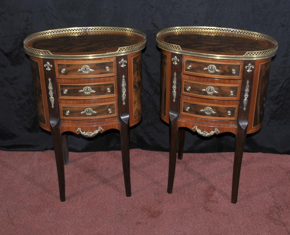 Paire Tables de chevet victoriennes de chevet Commodes Tiroirs