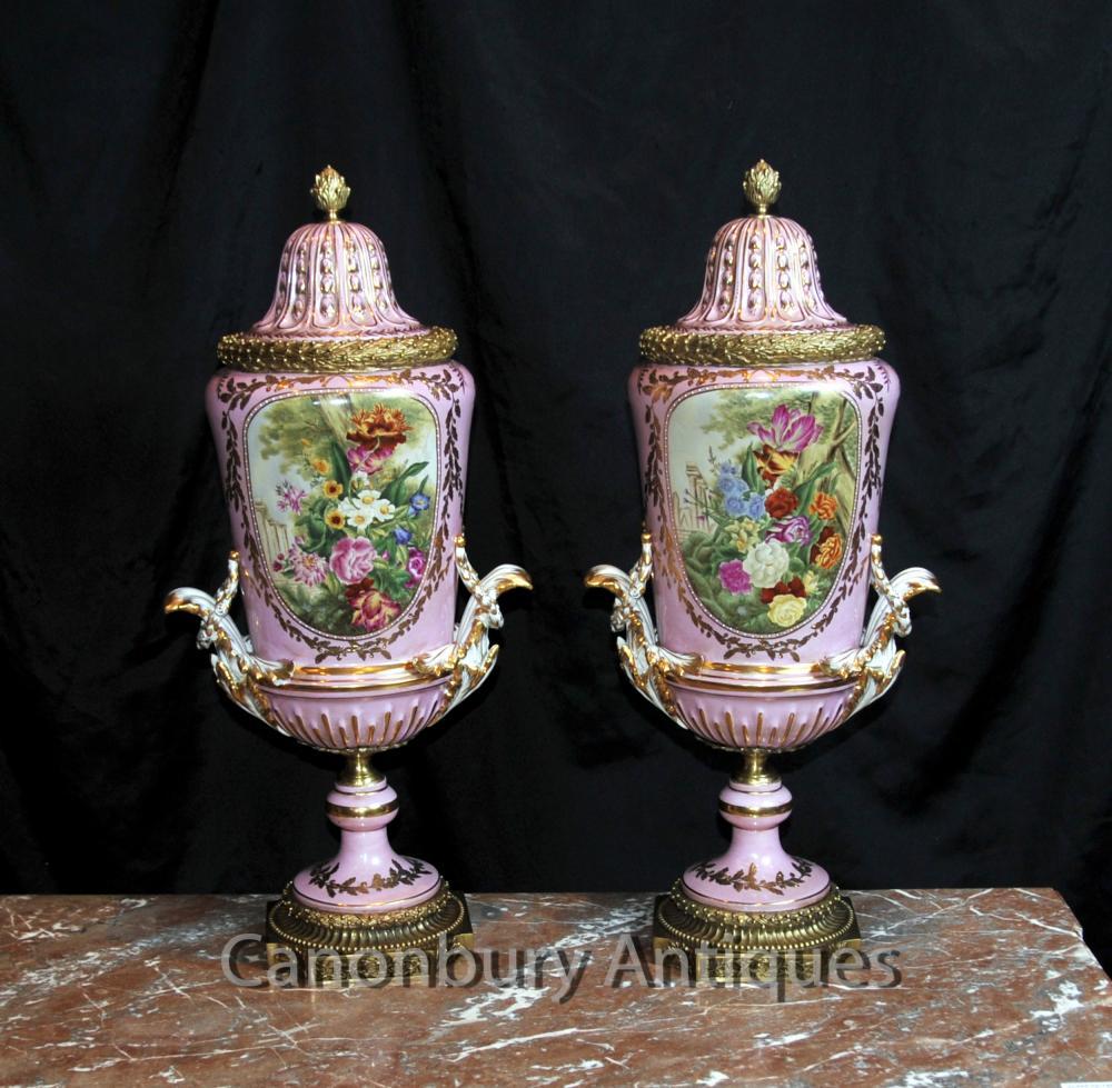 Paire français porcelaine de Sèvres Vases
