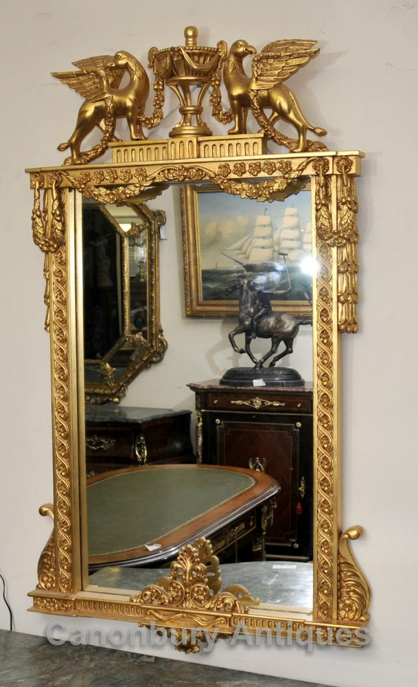 Classique Empire français Pier Miroir Winged Griffin Gilt verre