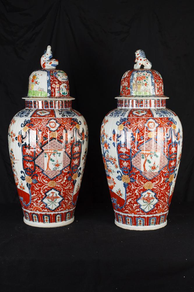 Paire Big japonais Imari porcelaine urnes Temple Ginger Jars