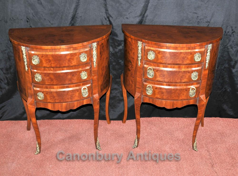 Paire Noyer victoriennes chevet chevet Commodes Armoires