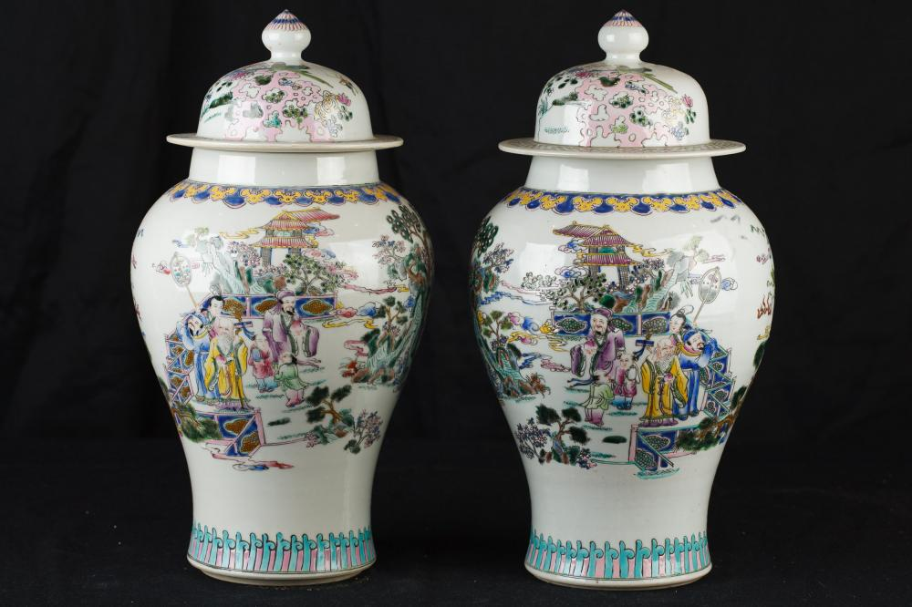 Paire porcelaine chinoise Ginger Jars Temple Urnes