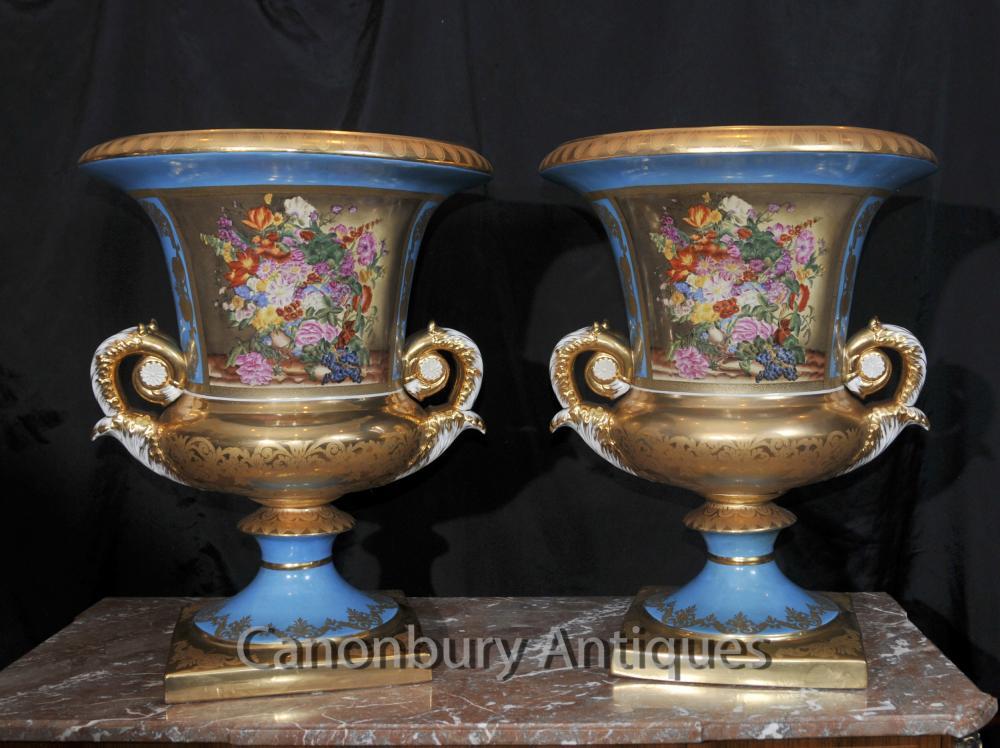 Paire Grande porcelaine de Sèvres Floral Campana Urnes Planters Vases