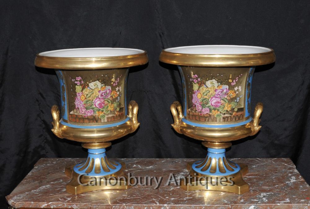 Paire porcelaine de Sèvres Campana Urnes Planters français Floral Vases