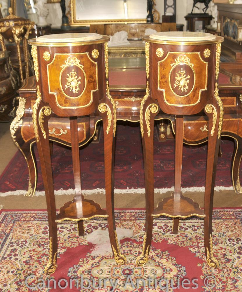 Paire française Empire Pedestal Stands Stands Cocktail Side