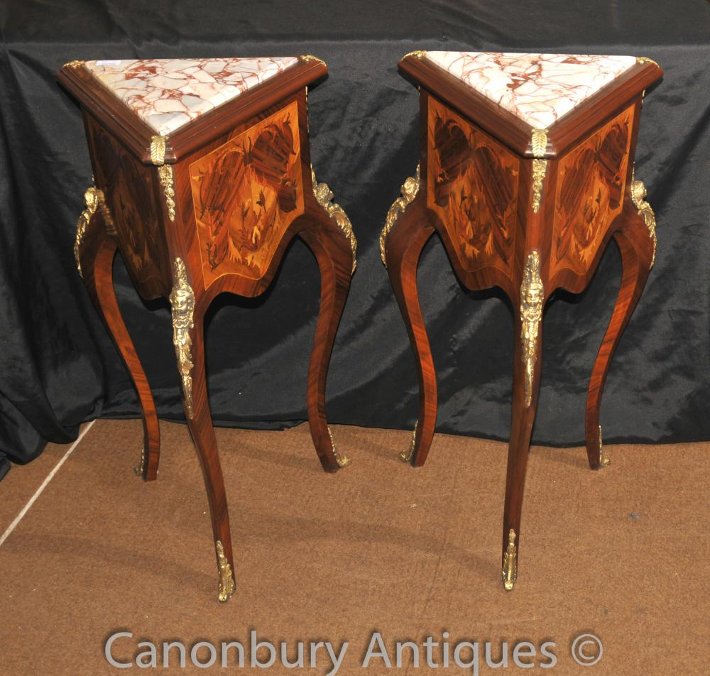 Paire française Empire Triangle Side Tables Cocktail Inlay Table