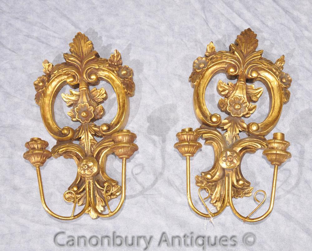 Paire française Rococo en bois sculpté Bras Appliques