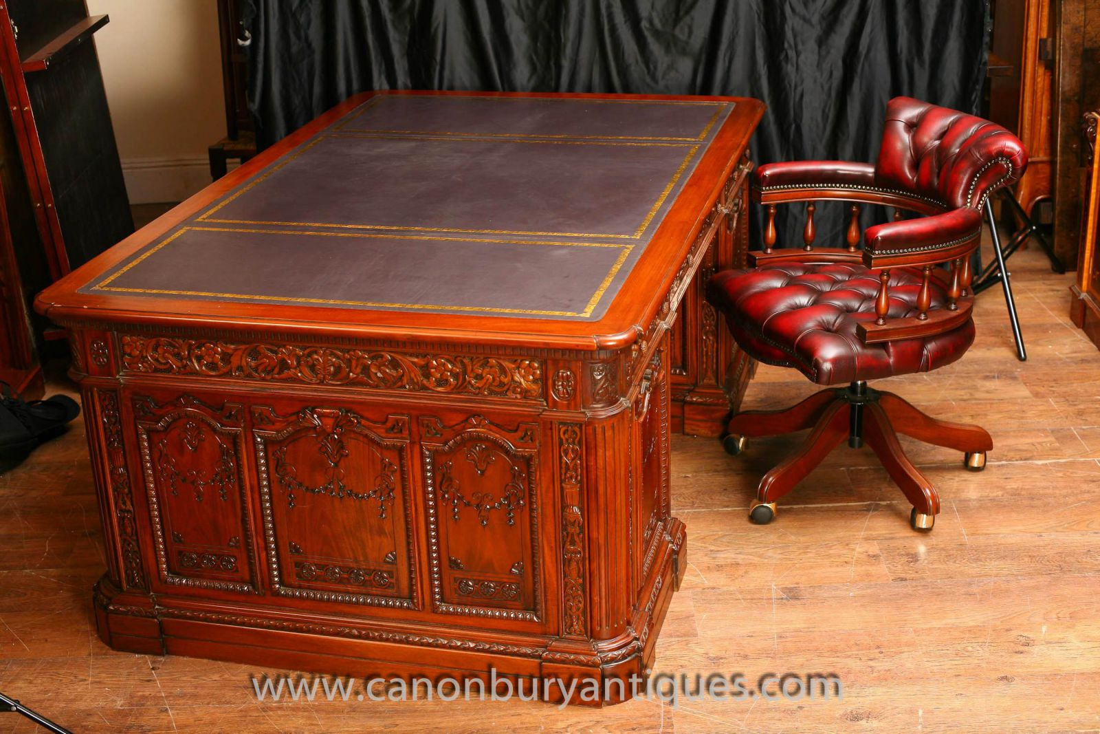 American Presidents Desk Oval Office White House www_canonburyantiques_com (1)-2 (1)