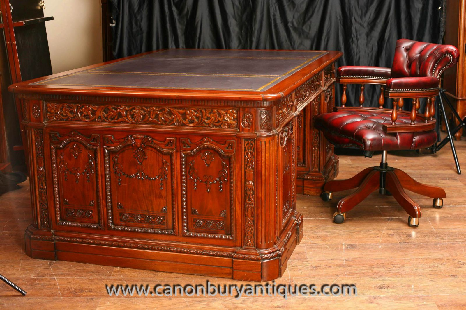 American Presidents Desk Oval Office White House www_canonburyantiques_com-2-2