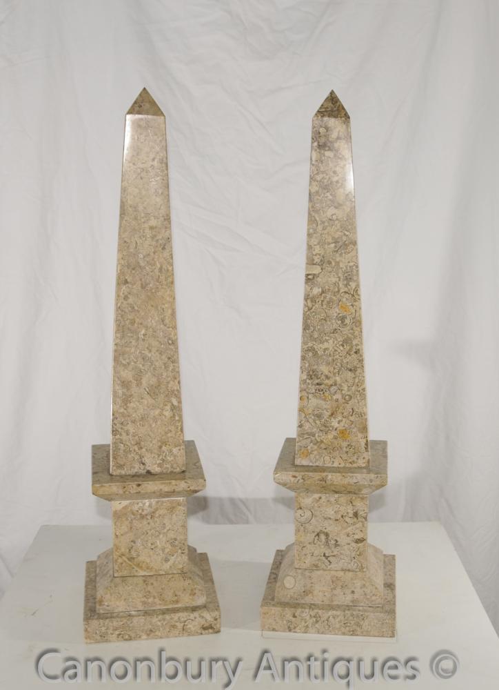 Paire Empire français marbre obélisques égyptiens Obelisk