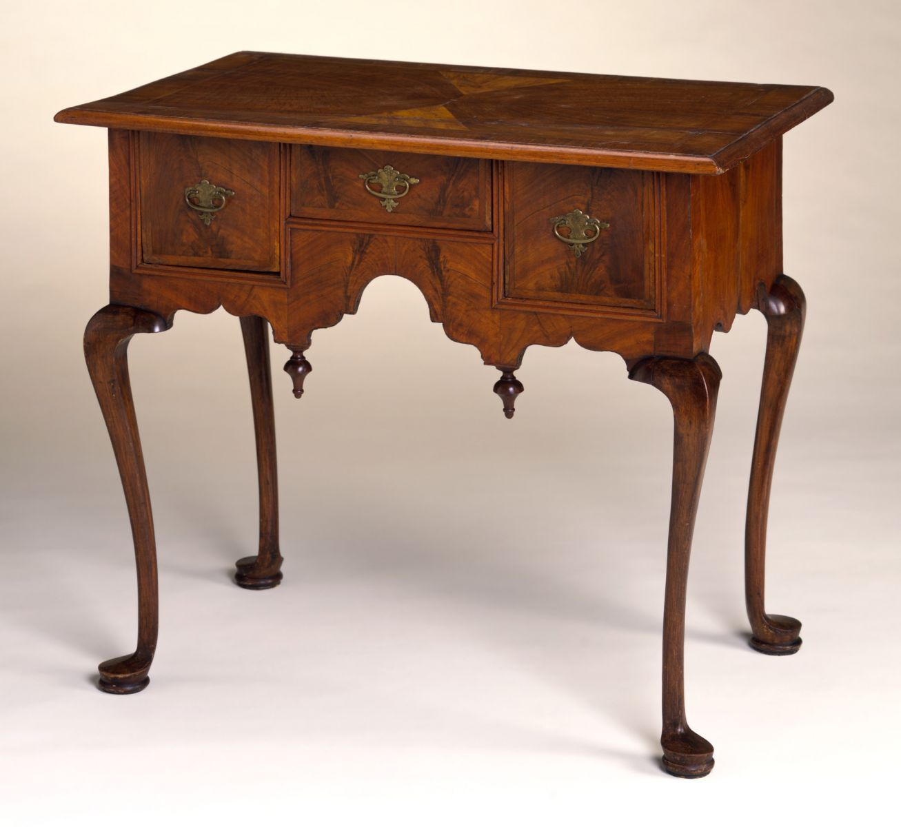 Queen Anne Dressing Tables