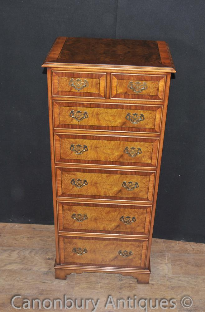 Regency Walnut Commode Armoire haute Boy