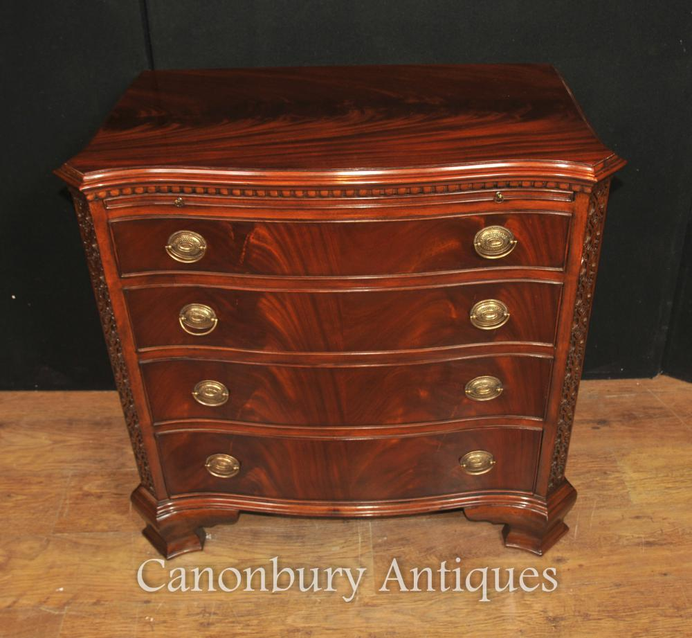 Chest Bow avant Commodes Tiroirs Flame Victorian Acajou baccalauréat