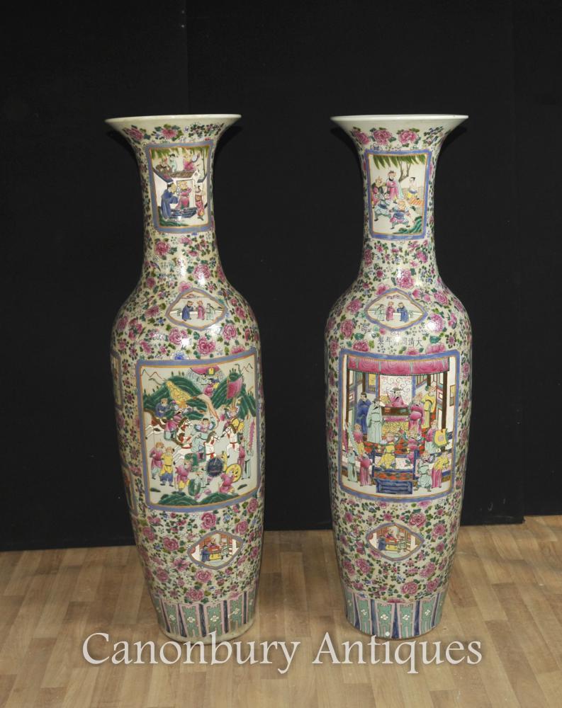 Paire Chinese Tall céramique peinte Canton Porcelaine Vases Urnes Cantonais main
