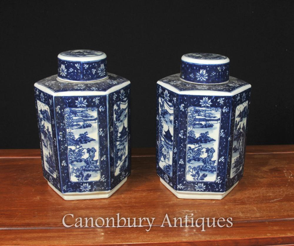 Paire bleu chinois et blanc Nanking en porcelaine à couvercle Urnes Vases Jars
