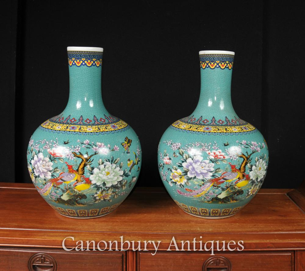 Paire chinois Qianlong porcelaine bulbeuses Vases Urnes Bird of Paradise Shangping