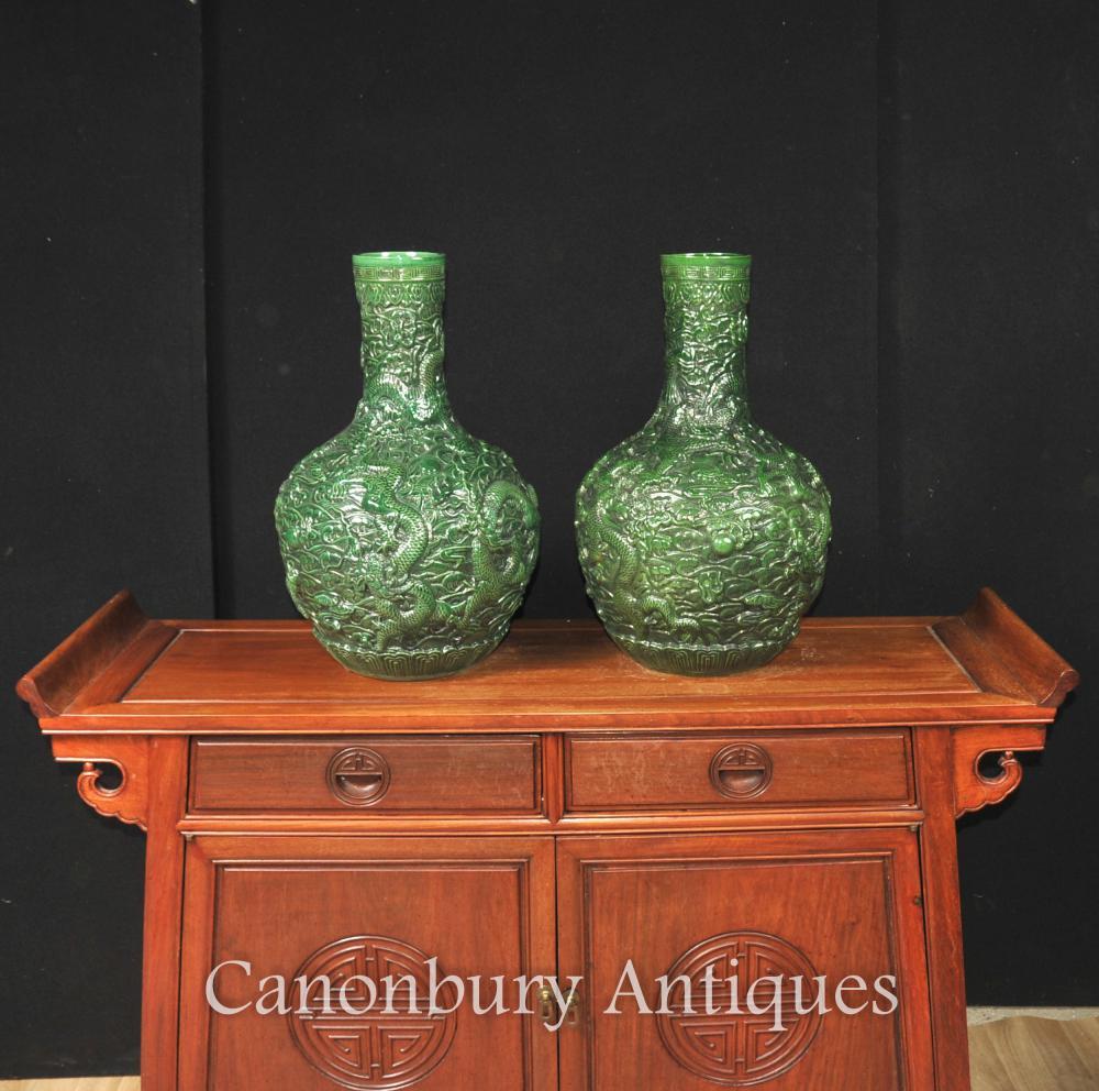 Paire vert chinois Cinnabar Laque dragon Vases Urnes Bulbous Urne