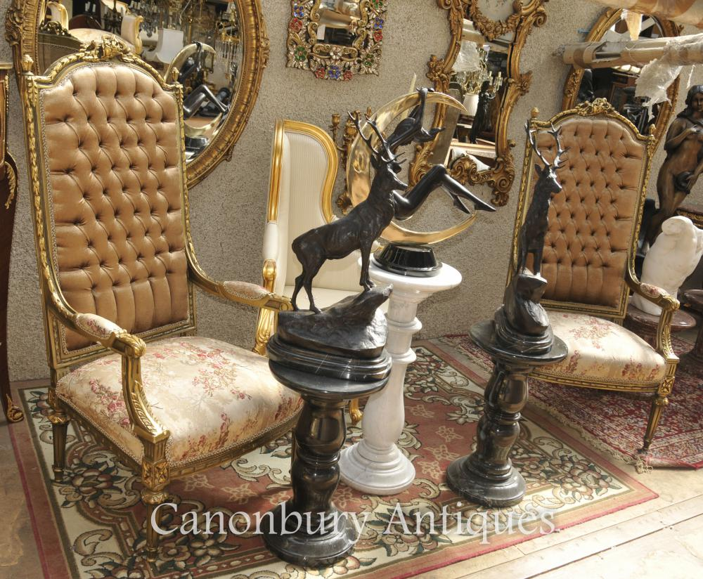 Paire Louis XVI Gilt Fauteuils haut Retour Fauteuils