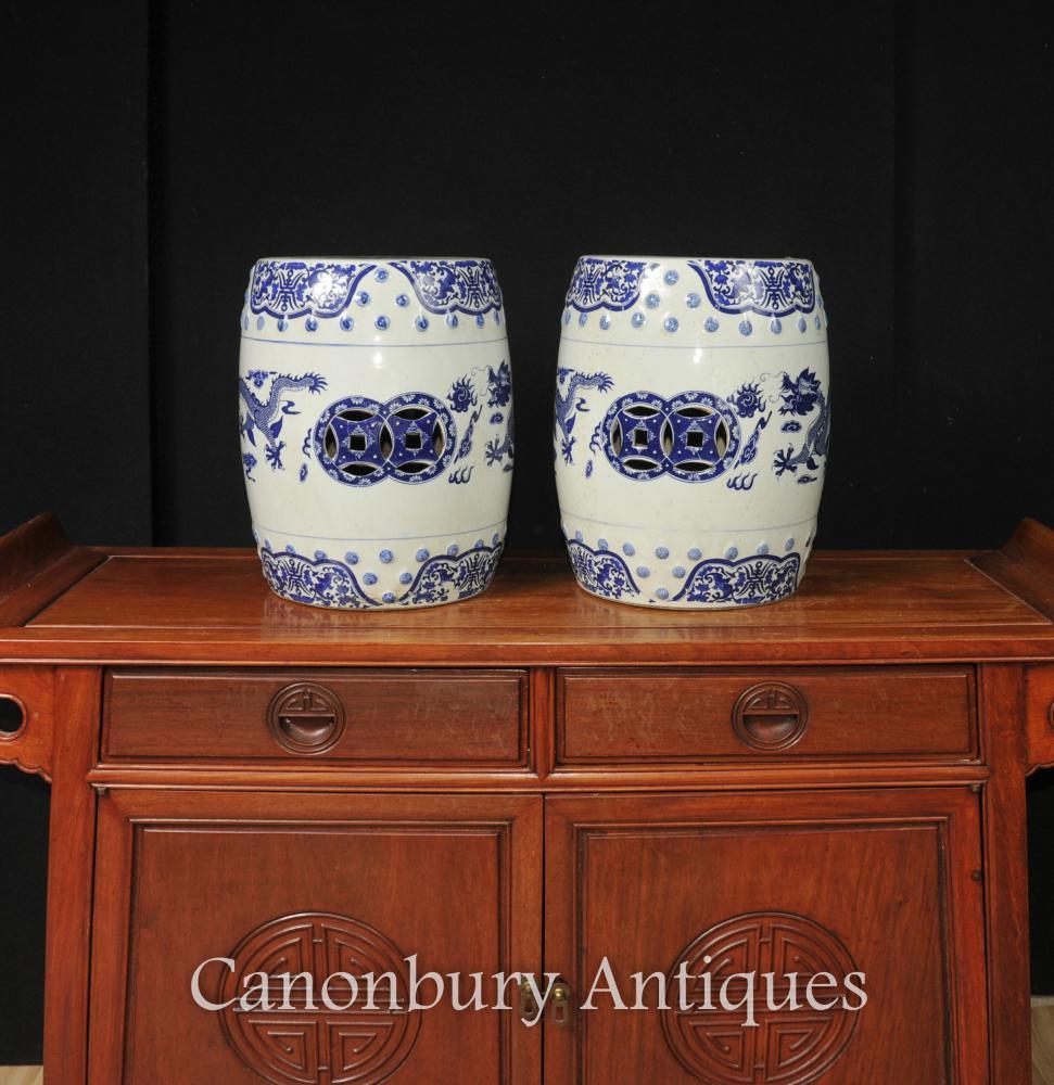 Paire chinoise Nanking Bleu et Blanc Porcelaine Jardin Tabourets Sièges dragon
