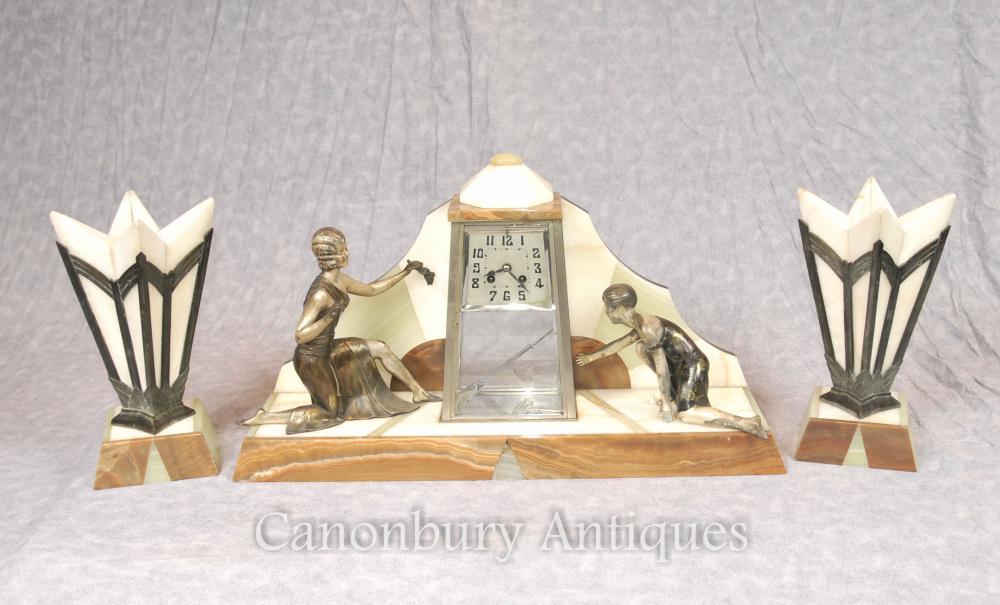 Antiquités Antique Art Déco Manteau Horloge Set Spelter Figurine Années 1920 Marble Urns