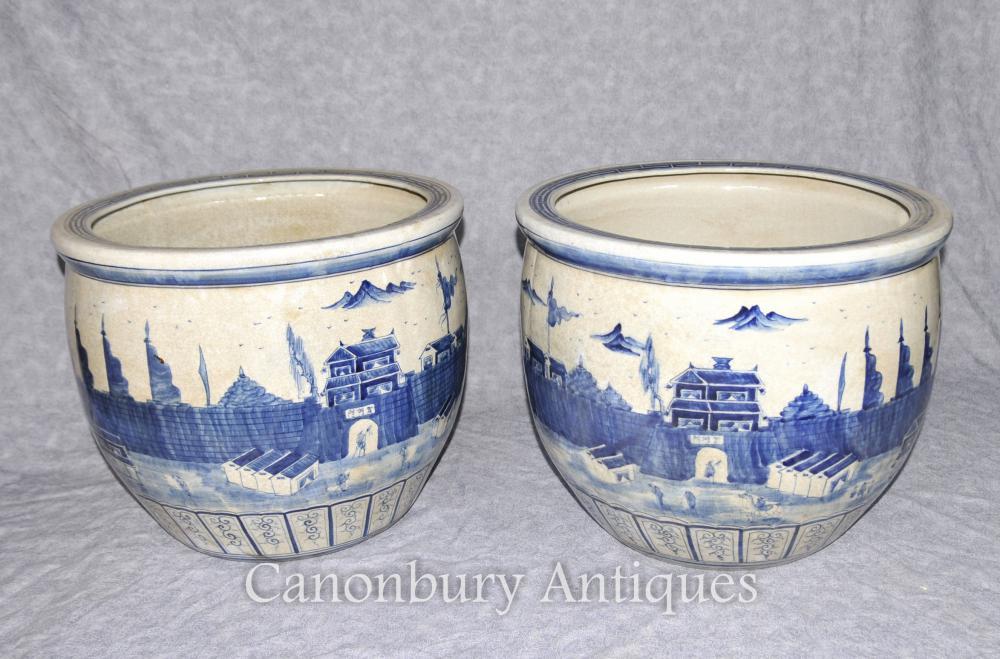 Paire de porcelaines chinoises Kangxi bleu et blanc Pots