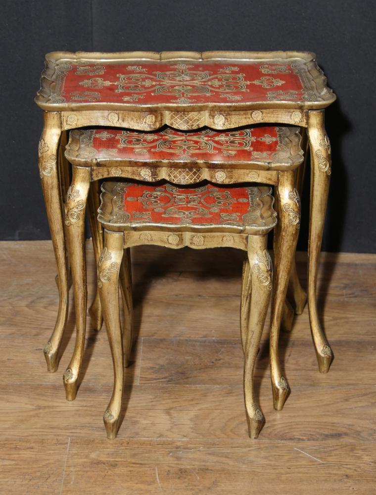 Antique Napoléon italien Nid de tables Table d'appoint peinte 1930