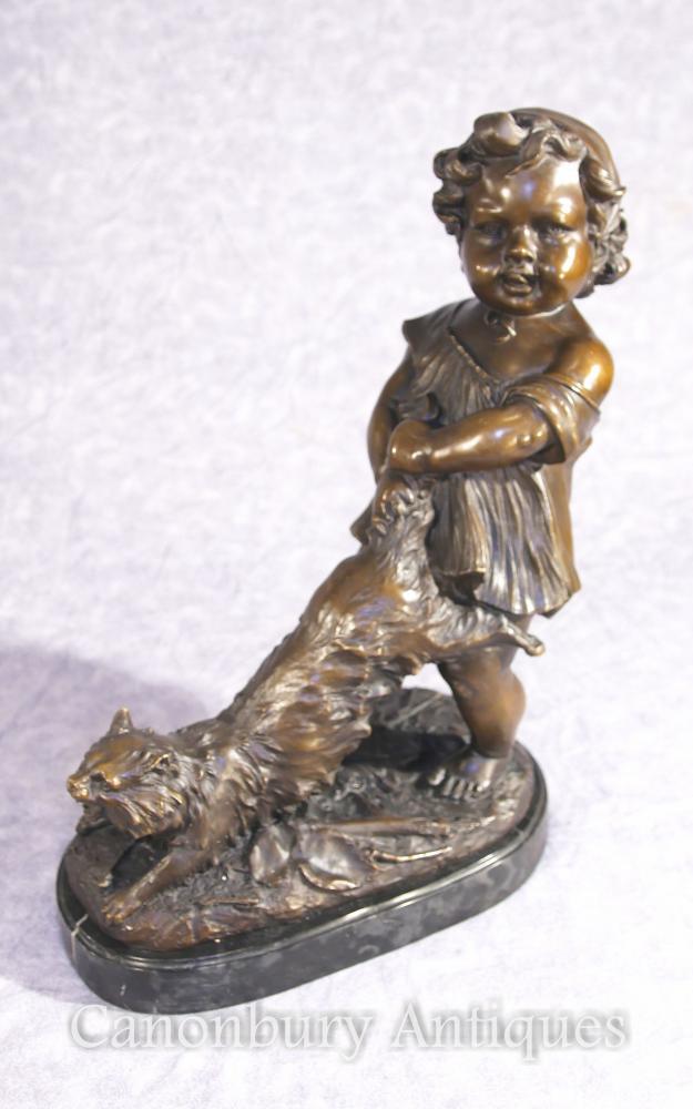 Figurine Statue de Fille et de Chat en Bronze