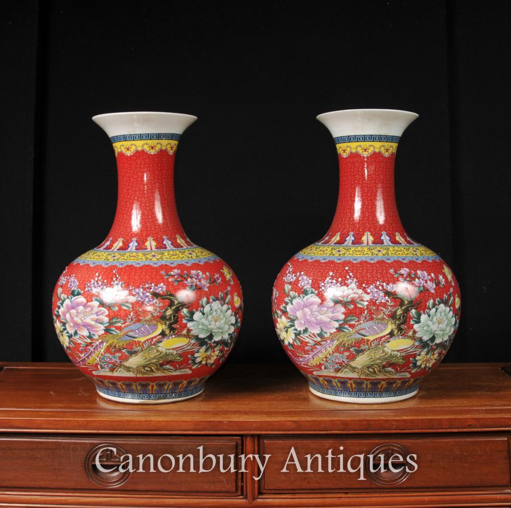 Paire Famille chinoise Rose Qing Vases Urnes en porcelaine